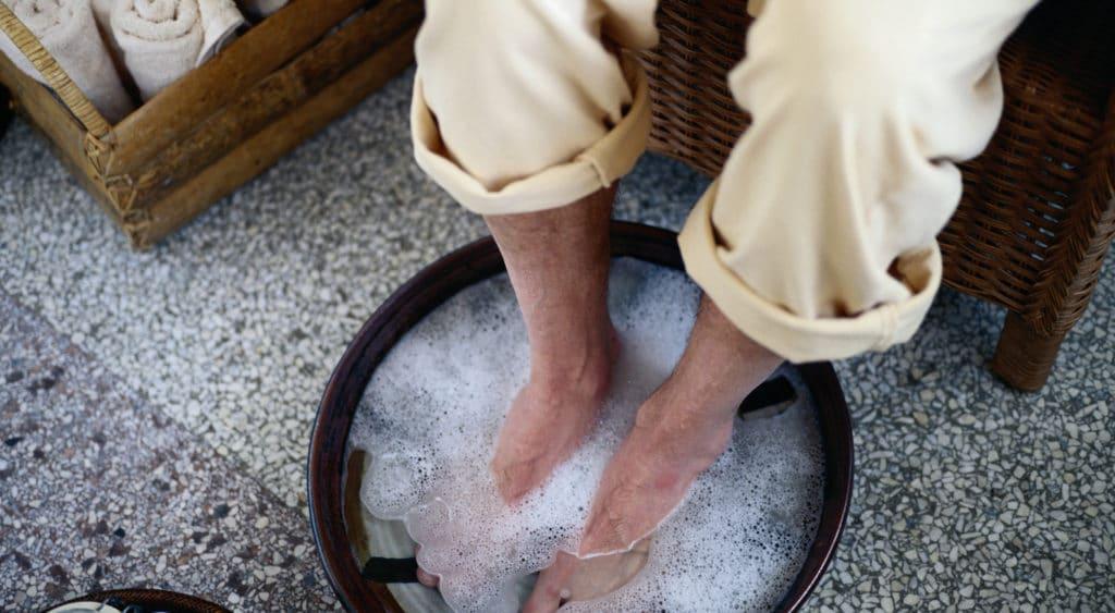 Как лечить грибок ног борной кислотой